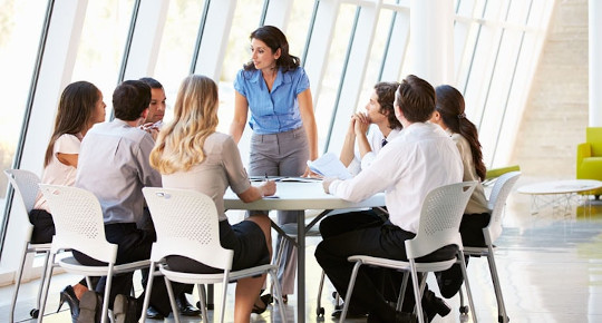 femme-manageure-preparation-mentale-hypnose-sophrologie-biganos-arcachon